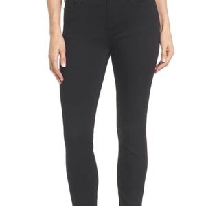 NWT Kenneth Cole Jess Black Skinny Jeans (Size 4)
